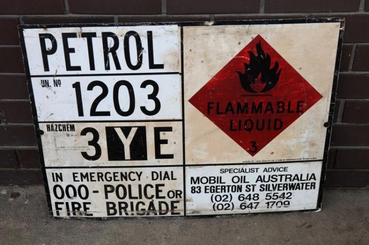 Railway petrol Hazchem wagon sign