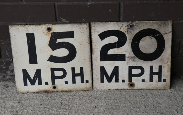 2x NSWG speed signs 15mph and 20mph