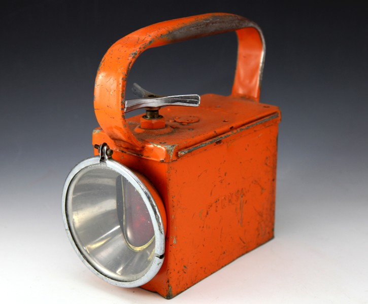 PTC shunters lamp orange battery operated (blue tape)