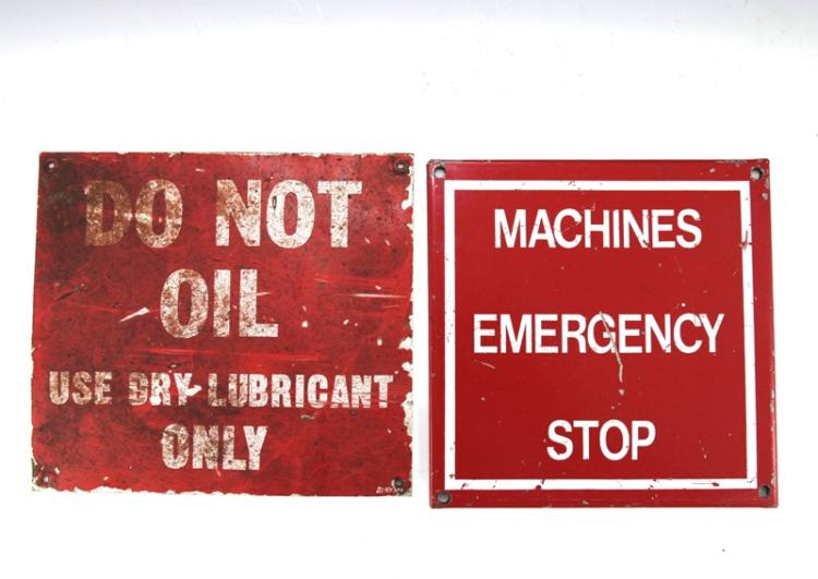 2x small signs - Do Not Oil & Machines Emergency Stop