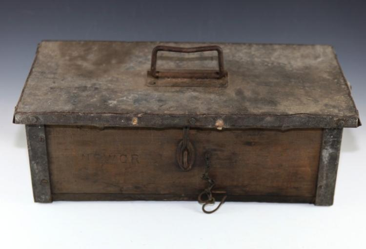 NSWGR Loco Cootamundra tool box