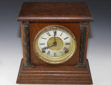 Mantle clock made by U.S. Sessions Clock - Face A/F