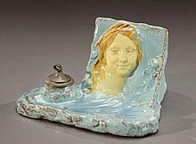 JEAN-AUGUSTE DAMPT (1854-1945) Porte-plumes formant encrier en céramique ém