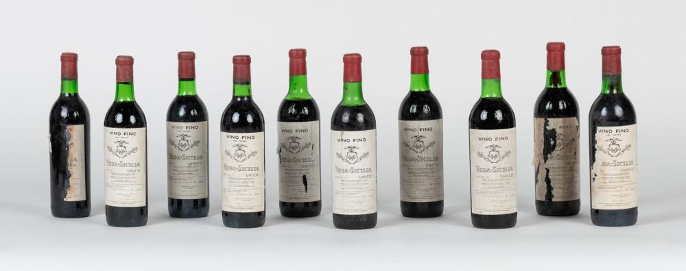 Lote compuesto por diez botellas de Vega Sicilia, 1961.