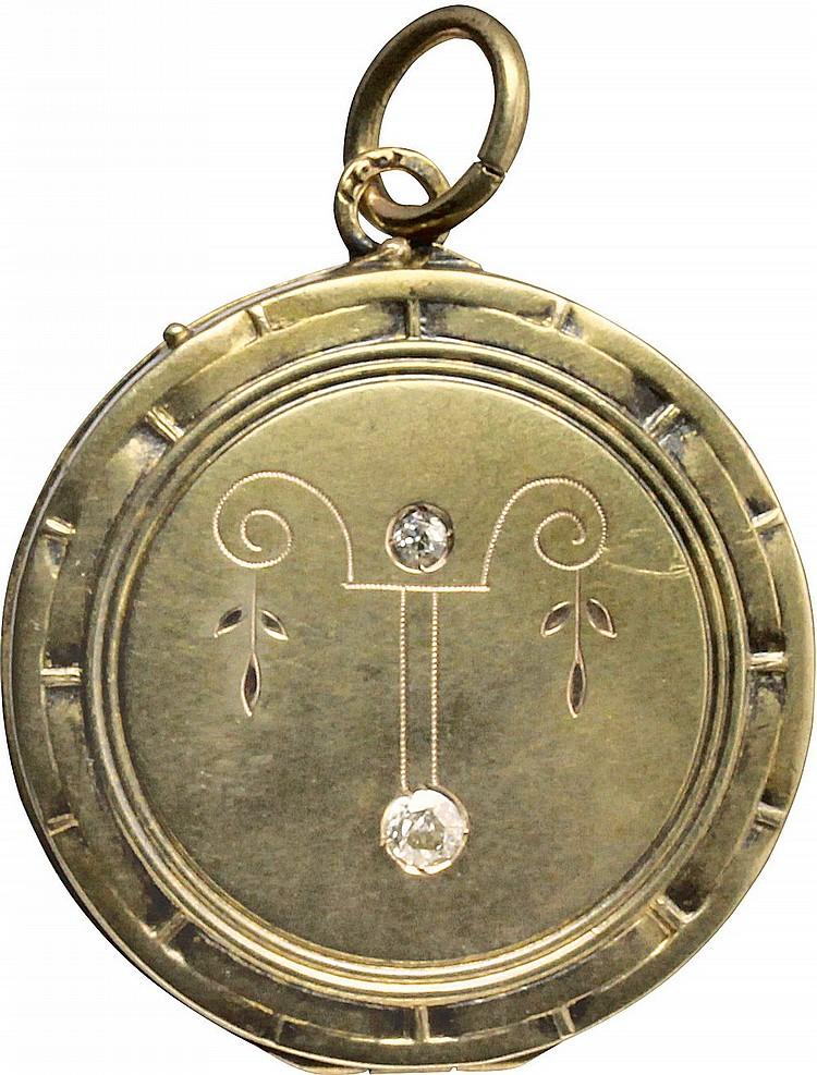 Ancient gold locket pendan.t