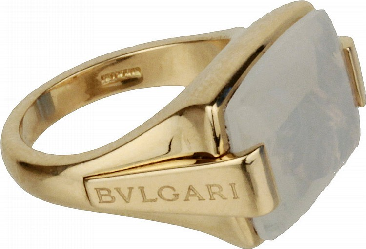 Bulgari gold ring with opal.