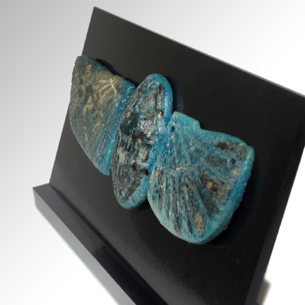 Large egyptian turquoise faience scarab with wings c 664 3 for Faience turquoise
