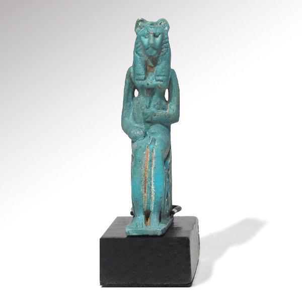 Egyptian turquoise faience figure of sekhmet c 600 b c for Faience turquoise