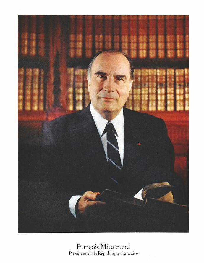Photo : GISELLE FREUND  François Mitterrand  - Président de la République Française - Photo Officielle     1981