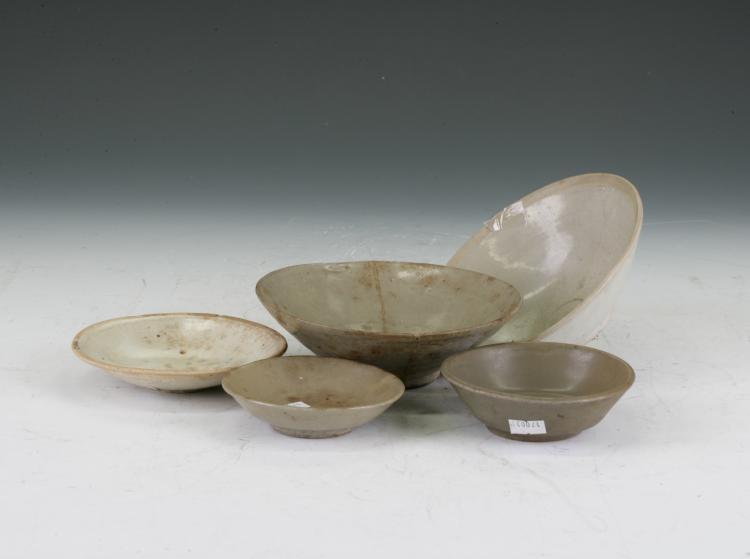 5 Celedon Bowls