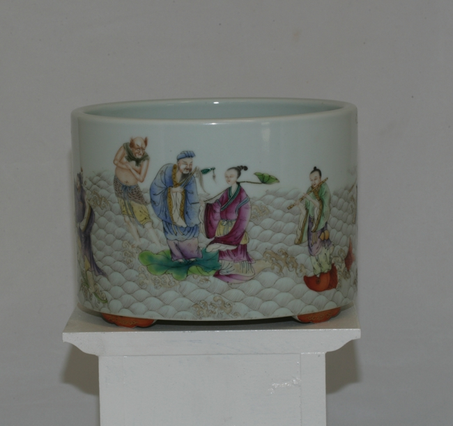 Very Large Famille Rose Brush Pot