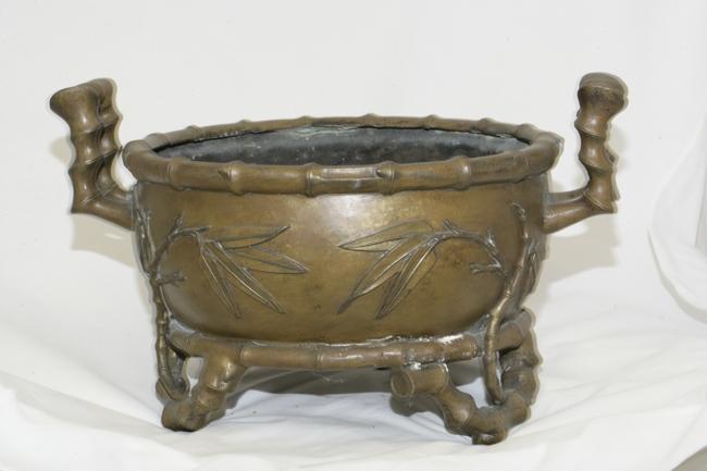 Bronze Plant Pot