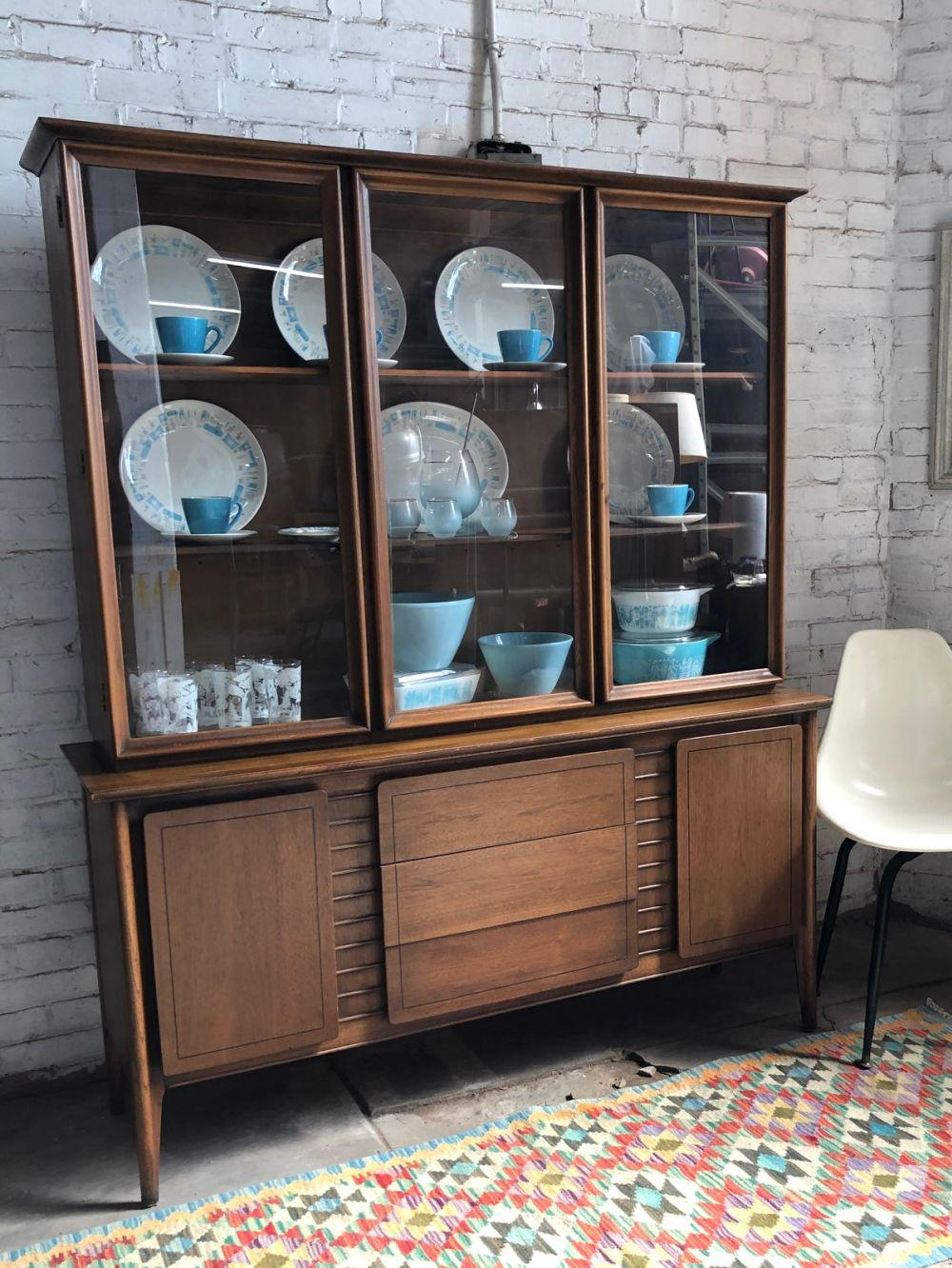 Picture of: Sold Price Mid Century Modern China Cabinet Invalid Date Cdt