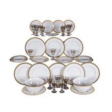SERVIZIO DI PIATTI E DI BICCHIERI PORCELAIN PLATES AND GLASS GOBLETS
