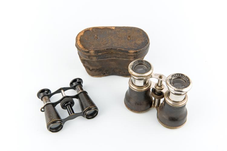 Due binocoli, inizi del XX secolo. | Two binoculars early XX century