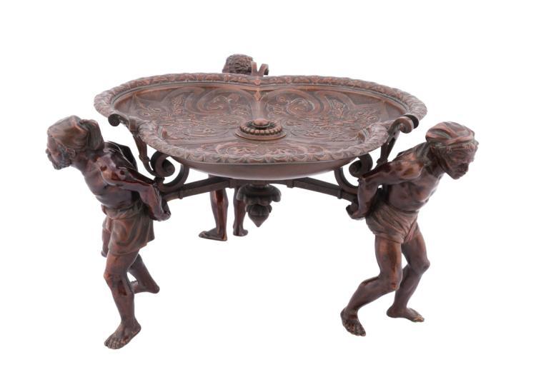 Centrotavola in bronzo. | Centerpiece bronze.