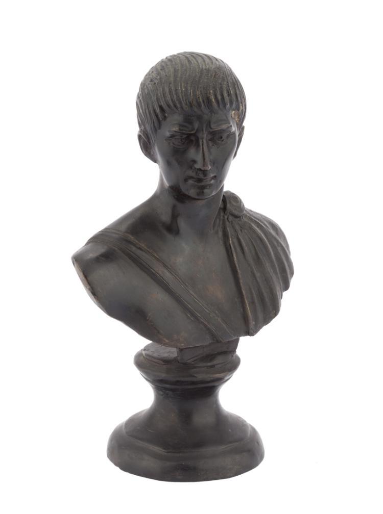 Bustino in bronzo d'imperatore romano. | Bustier bronze Roman emperor.