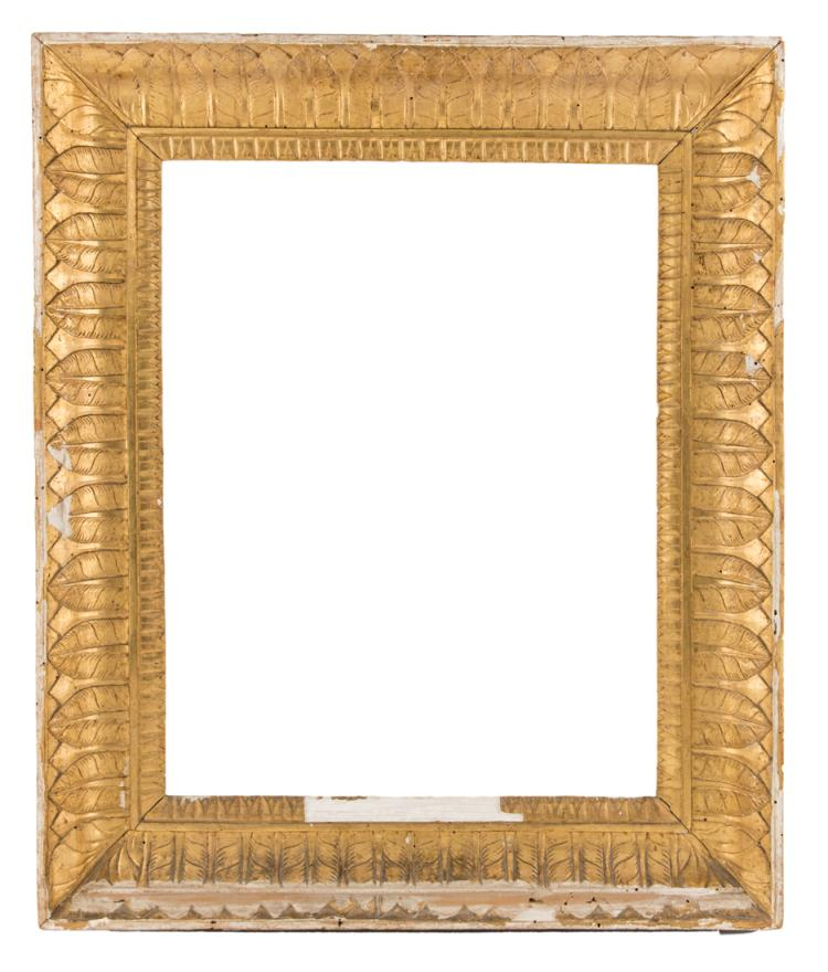 Cornice a guantiera in legno dorato con decoro a palmette, inizi XIX secolo. | Gilded wooden frame with palmette decoration, early XIX Century.