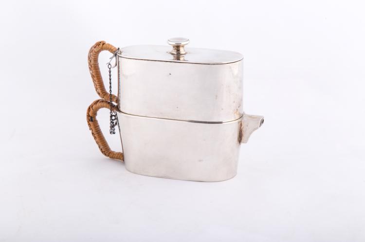 Caffettiera in argento anni Trenta | Silver coffee maker, 1930s.