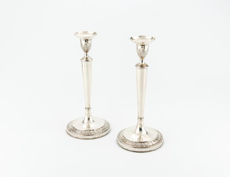 Coppia di candelieri in argento, bolli Roma, inizi XIX secolo | Pair of silver candlesticks, by Felice Pozzi