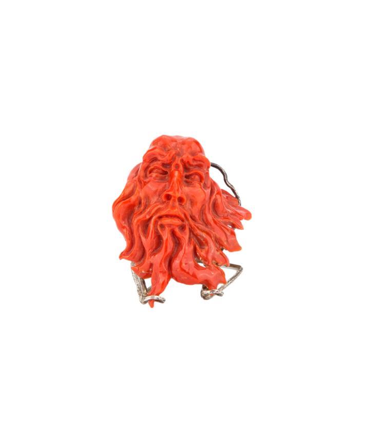 Scultura in corallo rosso. | Red coral sculpture