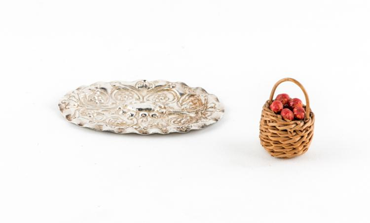 Vassoio e cestino | Tray and basket