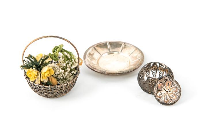 Tre pezzi in argento | Three-piece silver