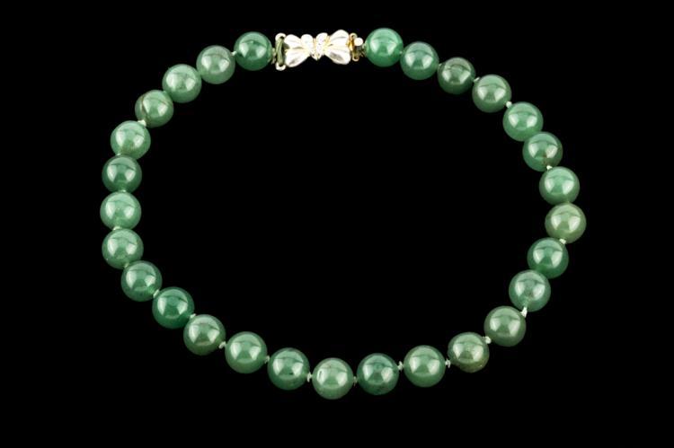 Collana di belle sfere di giada | Necklace with jade beads