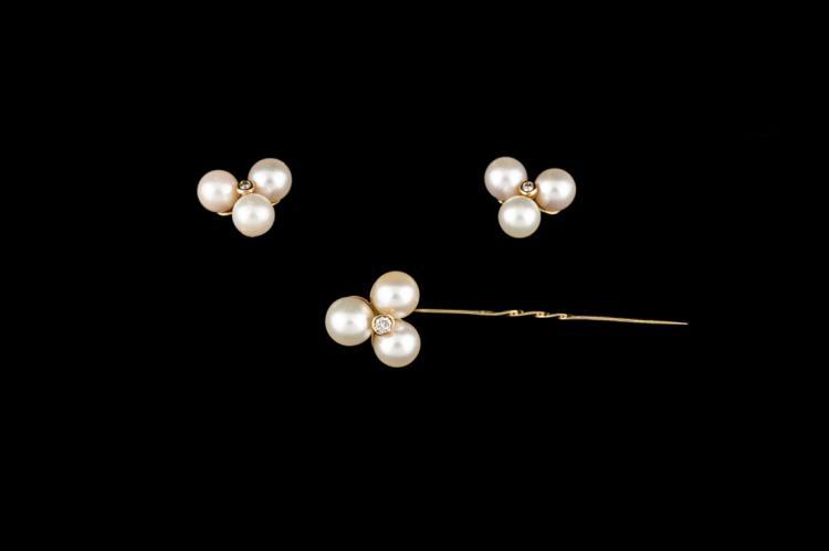 Spilla e bottoni da polso in oro giallo, perle e brillanti | Pin and wrist buttons in yellow gold, pearls and diamonds