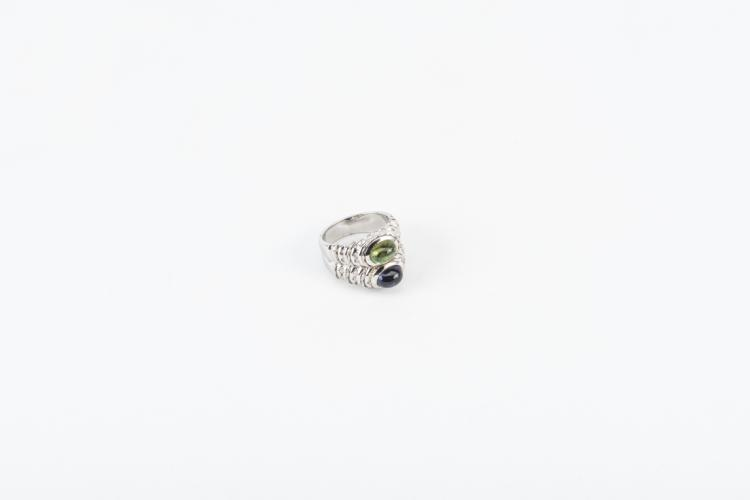 Anello in oro bianco con tormaline cabochon | White gold ring with tourmaline cabochon and diamonds