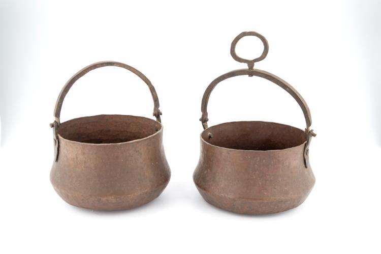 Piccoli catini in rame con manico | Small basins with copper handle