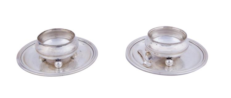 Salierine, piattini con sottobottiglia in argento | Silver salt cellars and two saucers