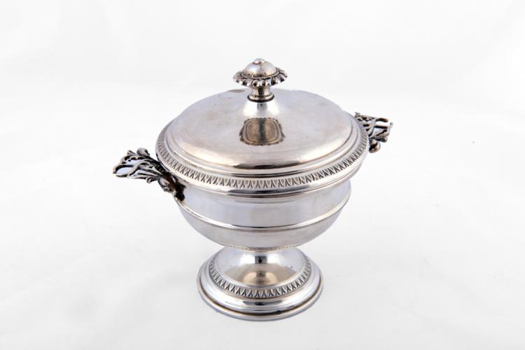 Coppetta centrotavola con coperchio in argento | Silver vase centerpiece with lid