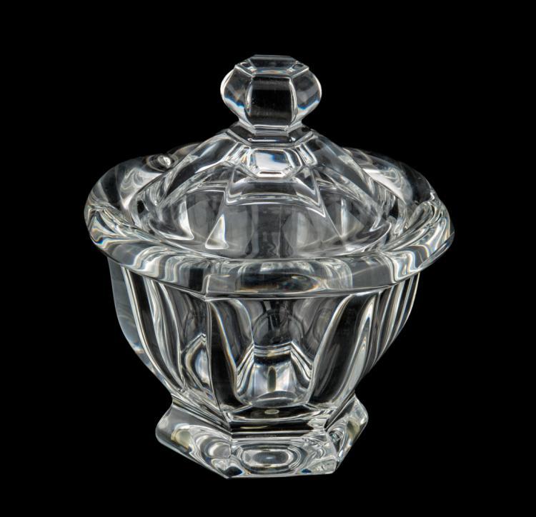 Coppetta con coperchio in cristallo di Baccarat, epoca XX secolo | Cup with lid in Baccarat crystal, XX Century