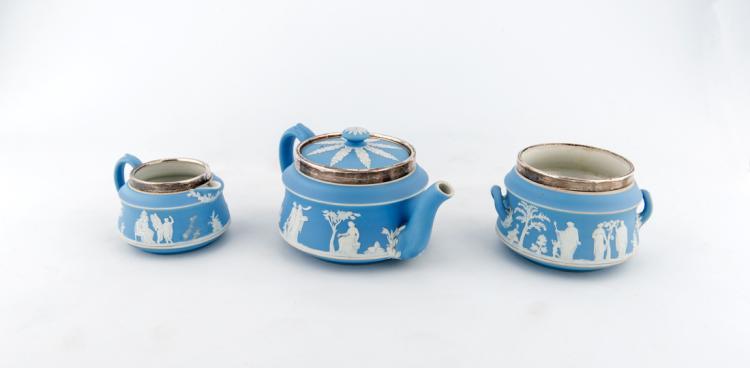 Servizio per tè, Wedgwood primi anni del XX secolo, bordi in argento punzonati | Tea service, Wedgwood early XX Century, silver edges punched