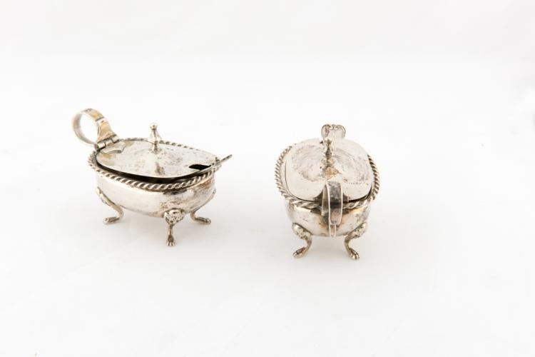 Due salierine in argento   Two silver salt cellars