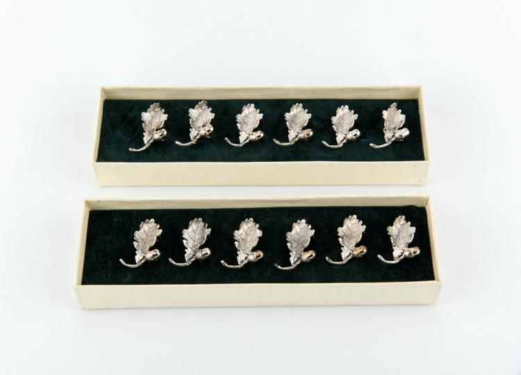 Dodici eleganti segnaposto in argento | Twelve elegant silver placeholder