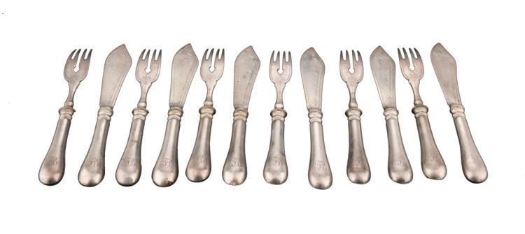 Servizio di posate da pesce in argento | Silver cutlery 12 pieces, plus 2 serving utensils