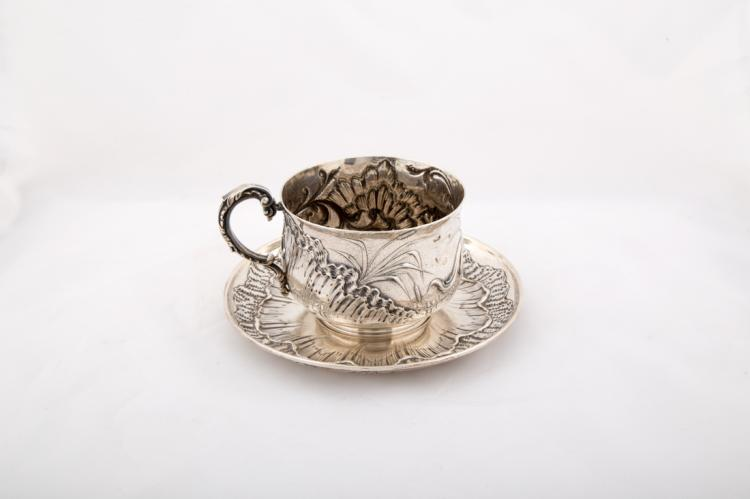Tazza e piattino in argento | Silver cup and saucer