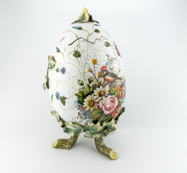 Uovo, opera in ceramica | Polychrome ceramics Egg