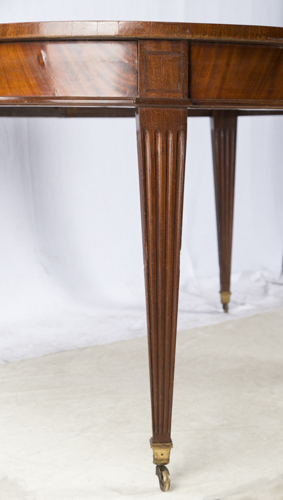 tavolo ovale allungabile in stile luigi xvi louis xvi ta. Black Bedroom Furniture Sets. Home Design Ideas