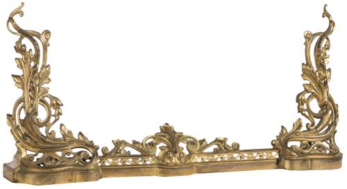 | Chenets a gallerie stile Luigi XV | Gilded bronze fireplace Fireplace Fender