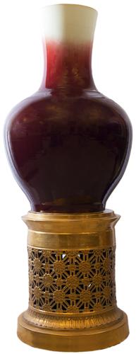 | Monumentale vaso in maiolica dipinta | Monumental vase painted majolica