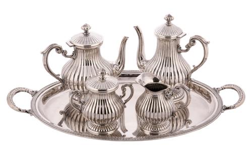 | Servizio da thè in argento |