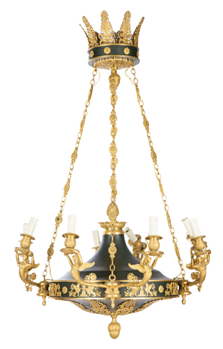 | Lampadario a otto luci in stile impero | Gilded-bronze eight-lights Empire-style Chandelier