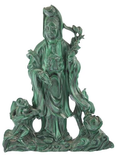 | Scultura in malachite raffigurante Guanyn | Finely carved Guan Yin malachite Sculpture