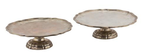 | Coppia di alzatine in argento |