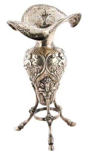 | Vasetto portafiori liberty in argento |