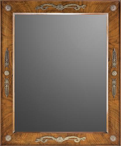 | Specchiera in mogano con applicazioni in bronzo dorato inizi XIX secolo | Antique mahogany Mirror