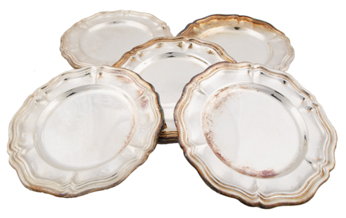 | Dodici piattini portapane in metallo argentato | Twelve metal silver-plated bread plates